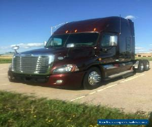 2012 Freightliner Arcadia for Sale