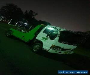 TOW TRUCK ISUZU 2000 model for Sale